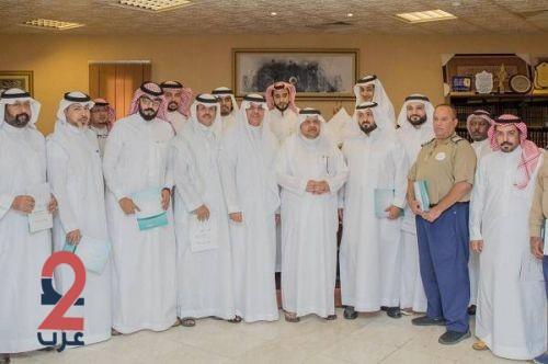 مدير تعليم جدة يكرم الإعلام التربوي وموظفي الأمن