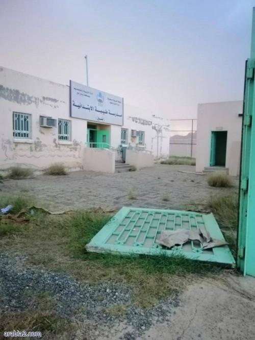 مجهولون يعبثون بمحتويات مدرسة في رجال ألمع