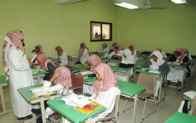 التعليم  تبدأ بالتهيئة والإستعداد لتطبيق نظام المقررات