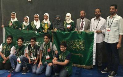 """""""العيسى"""" يهنئ الفريق السعودي لحصده المركز الثالث في مسابقة الروبوت الدولية"""