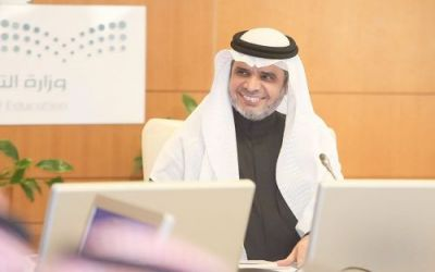 وزير التعليم يعلن إطلاق مسارات جديدة للابتعاث الخارجي.. تعرّف عليها
