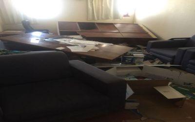 """بالصور.. تخريب مدرسة في الطائف و""""الشرطة"""" تقبض على الجناة"""